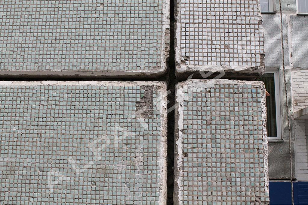 Заделка швов на потолочном плинтусе